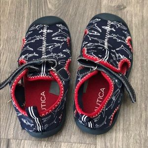 Water Shoes sz 9